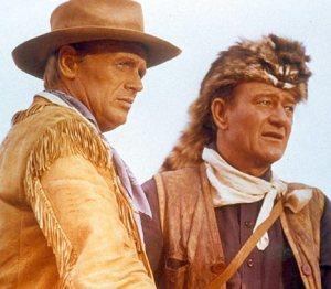 Richard Widmark, alias Jim Bowie, and John Wayne, alias Davy Crockett.