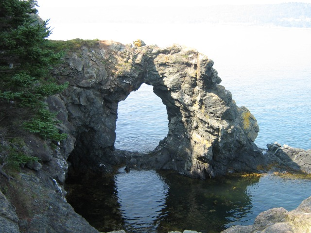 Hole in the Wall, Grand Manan, AB. 26 August 2007. (Photo: Hendrik Slegtenhorst)