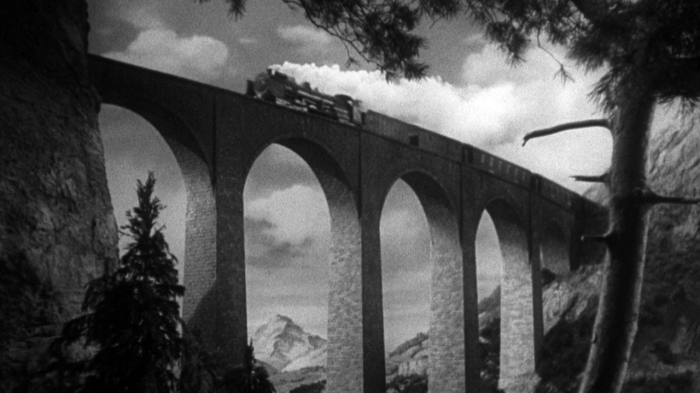 Still from The Lady Vanishes (Courtesy: www.criterion.com)
