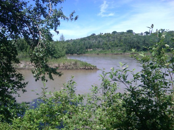 North Saskatchewan River, Edmonton, AB. 21 June 2014. (Photo: Hendrik Slegtenhorst)