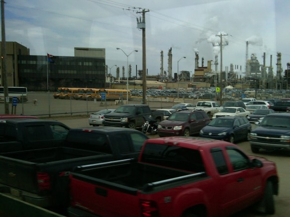 Syncrude Plant, Fort McMurray 13 May 2011 (Photo: Hendrik Slegtenhorst)