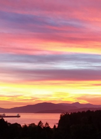 Sunset on Burrard Inlet, Vancouver, Canada. 17 July 2015. (Photo: Hendrik Slegtenhorst)