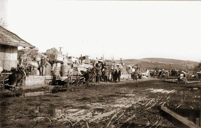 Deportation of Ukranians to USSR, 1946 (Courtesy: www.polenvoornederlanders.nl)