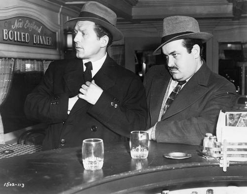 Charles McGraw and William Conrad in The Killers