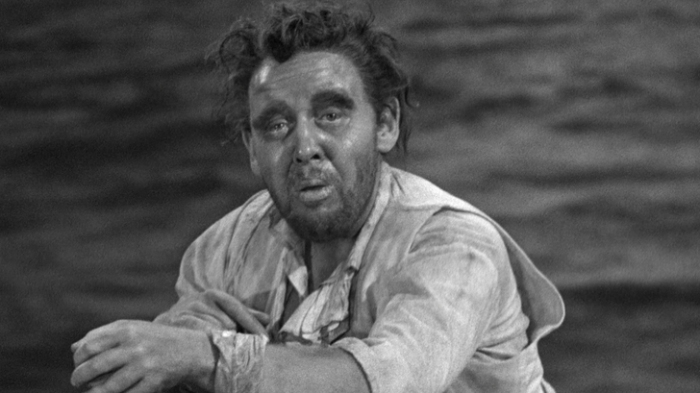 Charles Laughton, adrift in the Pacific, in Mutiny on the Bounty (1935)